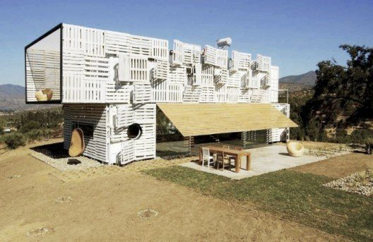 Infiniskis Manifesto shipping container house
