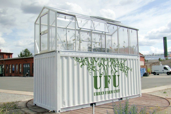 Shipping-Containers-Urban-Farm