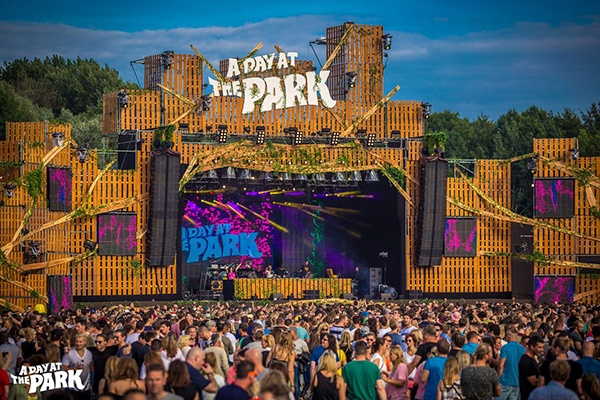10 Ways Shipping Containers Make Festival Planning Easy